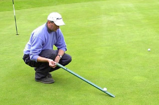 Measuring golf green speed